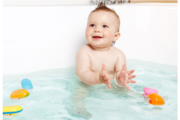 10 Tips for Safe Baby Bath Time